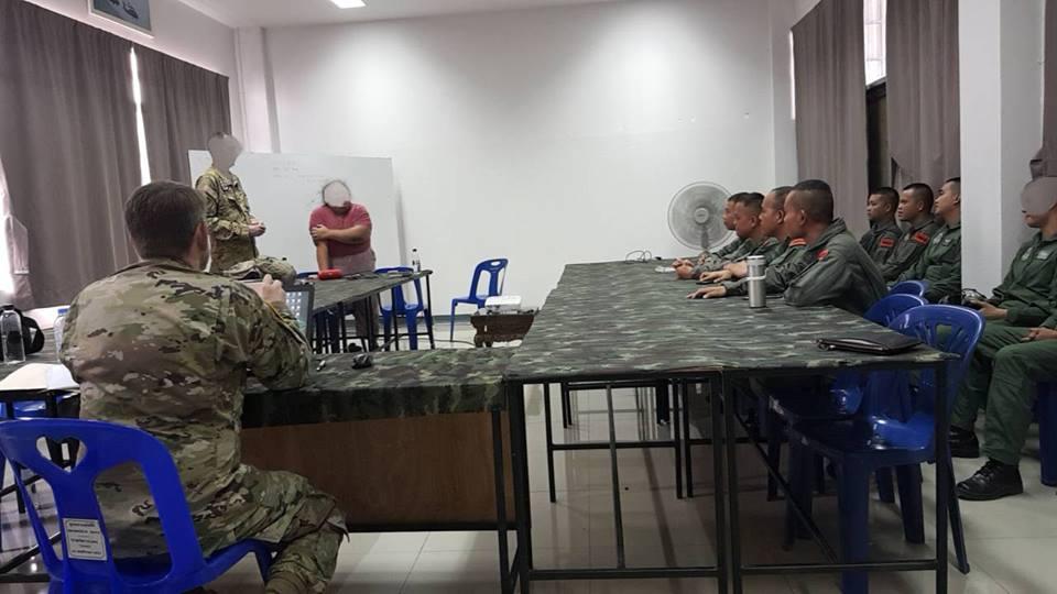ร่วมประชุม Brief หลังจากการฝึกทดสอบ Helicopter