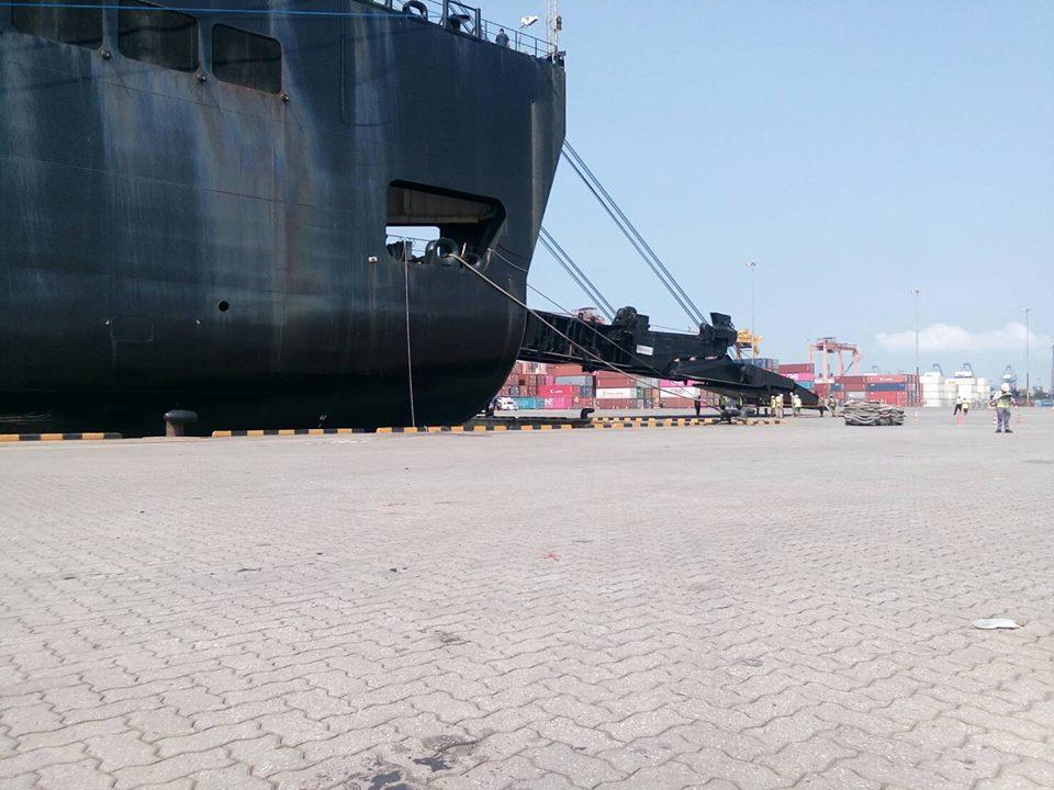 ท่าเรือแหลมฉบัง ชลบุรี
